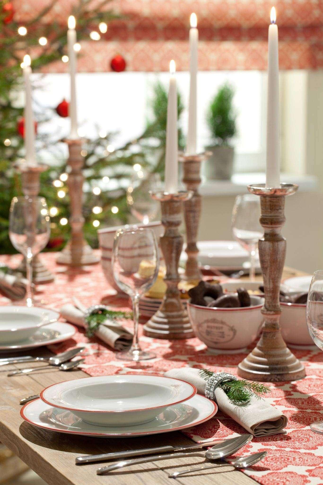 Dekoracje stołu na Boze Narodzenie