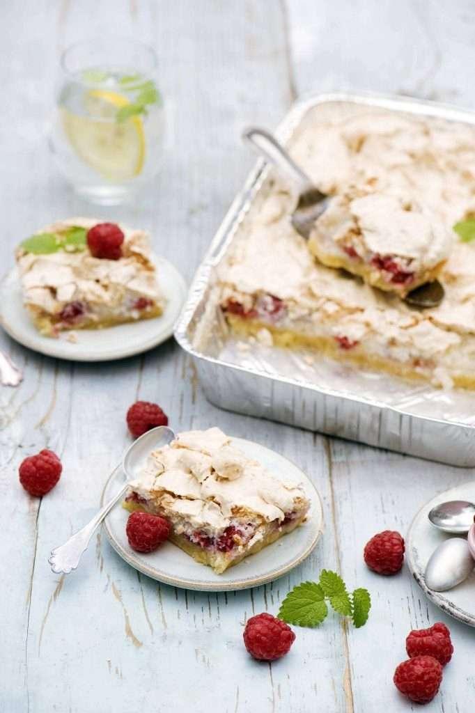 Ciasto z malinami i bezą
