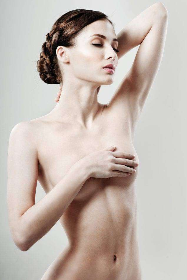 Co warto wiedzieć o powiększaniu piersi?