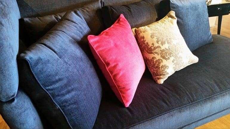 czas-na-sofe-do-salonu-w-kolorze-3