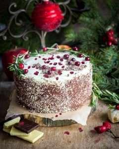 Noworoczny tort żurawinowy