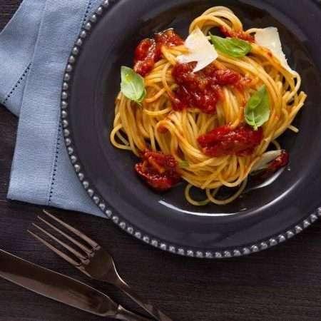Spaghetti z rozgrzewającym sosem