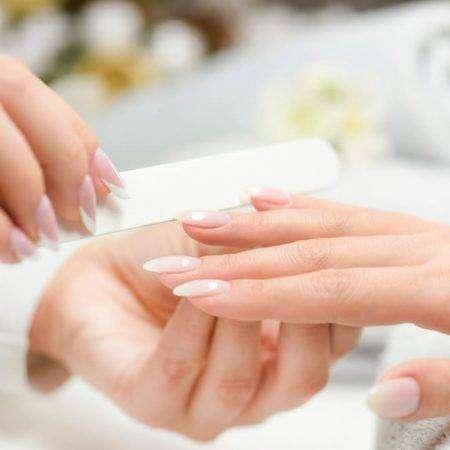 Ślubny manicure od hi hybrid