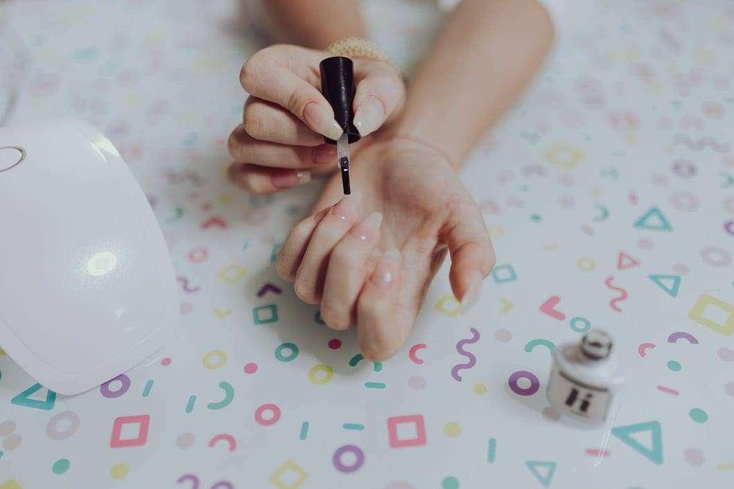 Manicure jak deser kawowowo-czekoladowy
