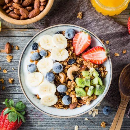 Jak się odżywiać, by wzmocnić efekty treningu?
