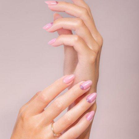 Bezpieczny manicure hybrydowy