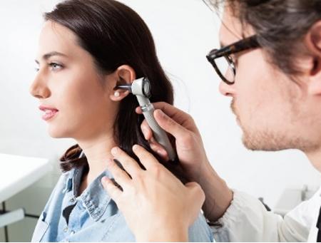 Kiedy warto zbadać swój słuch?