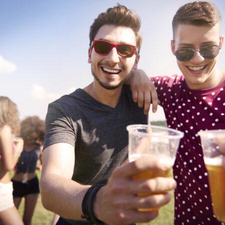 Dlaczego nastolatki piją?